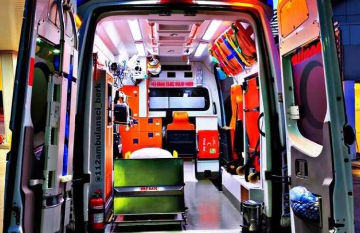 Ambulanza interno (Instagram)