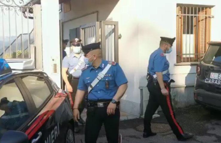 carabinieri sul luogo dei ladri (youtube)
