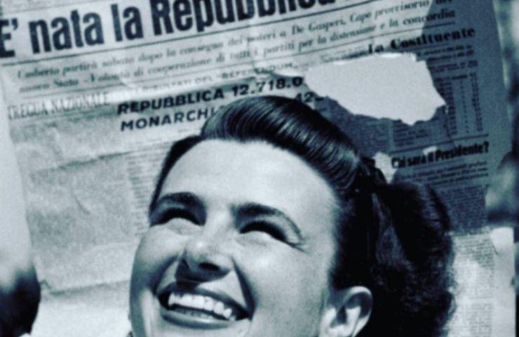 Repubblica Italiana donna con giornale (Instagram)