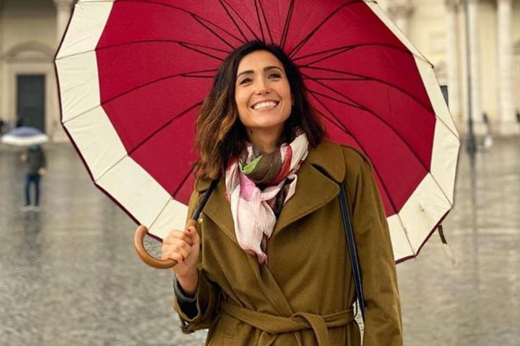 Caterina Balivo ombrello