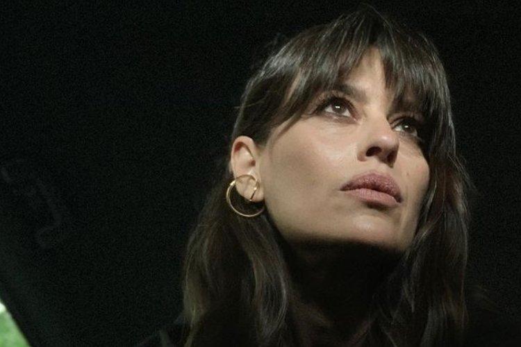 Claudia Pandolfi paparazzo
