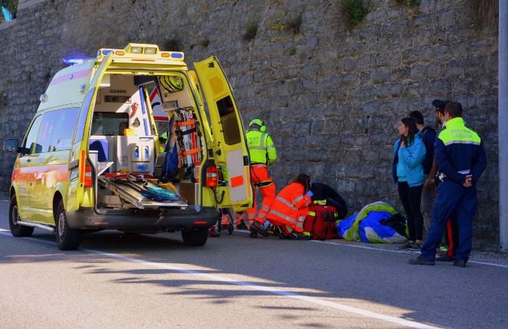 incidente stradale ambulanza