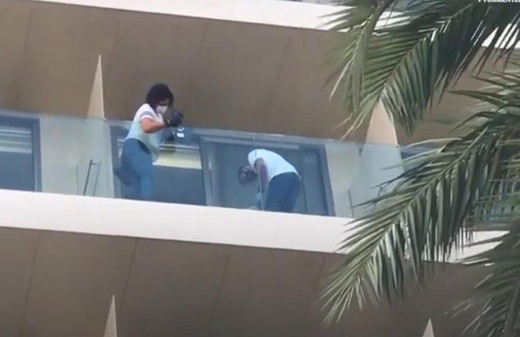 ventunenne morta a Ibiza balcone