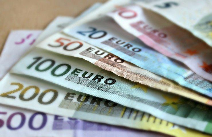 pagamenti in contanti euro carta