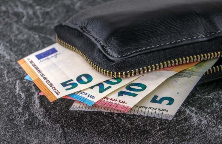pagamenti in contanti soldi portafogli